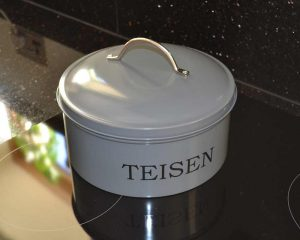 Authentically Welsh Teishen Cake Tin Welsh