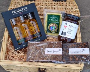 Authentically Welsh Welsh Tipple Hamper